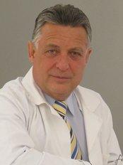 Svatopluk Svoboda - Alfa Centrum lékařské kosmetiky - plastické Chirurgie - Plastic Surgery Clinic in Czech Republic