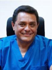 Clinicas De la Cruz - Dental Clinic in Guatemala