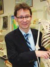 Dr. Max Baumwol - Wannero - Bariatric Surgery Clinic in Australia
