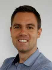 Dr Nick Sinden - Medical Aesthetics Clinic in the UK
