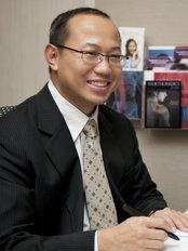 Providence Orthopaedics - Consultant Orthopaedic Surgeon Dr Siow Hua Ming