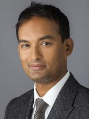 Jaheed Khan - Jaheed Khan Consultant Eye Surgeon
