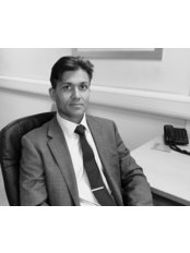 Salford Hip & Knee Clinic - Mr Gaurav Batra