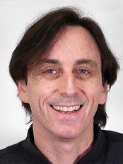 Melbourne Dentist - Dr David Treherne