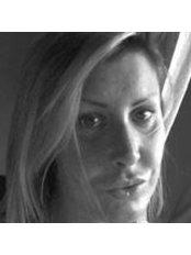 Dr.ssa Barbara Sampietro - Milano - Plastic Surgery Clinic in Italy