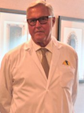 Dr Jorge Schwarz - Plastic Surgery Clinic in Canada