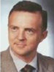 Artur Zawisz - Prywatna Klinika Chirurgii Plastycznej - Plastic Surgery Clinic in Poland