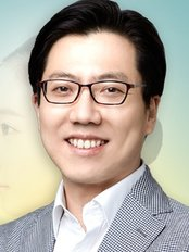 Dr Moon Clinic - Dr Moon Hyoung jin