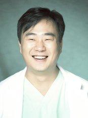 Evita Clinic - MD. Francis Jeon