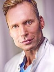 Dr med Rainer John - Plastic Surgery Clinic in Germany