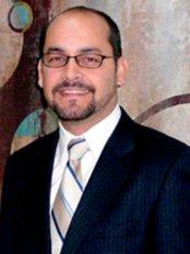 Dr Alberto Lara - Plastic Surgery Clinic in Mexico