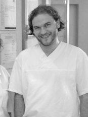 Sanadent Specjalistyczna Klinika Implantologiczna - Dental Clinic in Poland