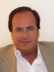 Dr. Thomas Sebastian - Plastic Surgery Clinic in Argentina