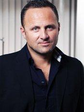 Milo Clinic-London - Dr Nikola Milojevic