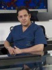 Dr. Sergio Rubio - Plastic Surgery Clinic in Colombia