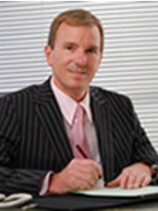 Mr Dan Prinsloo - Consultant Cosmetic Surgeon - Mr Dan Prinsloo