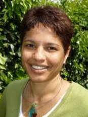Vanessa Correa - Vanessa Correa Bsc Hons Microbiology, ITEC Diploma Massage, BSc Hons Osteopathy, Certificate Biodynamic Massage. Certificate in Body Psychotherapy