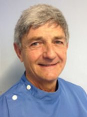 Landguard Road Dental Surgery - Dr Richard Vermeulen