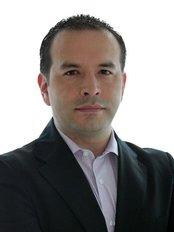 Dr. Juan Carlos Olaya Cirujano Plastico - Plastic Surgery Clinic in Colombia