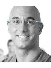 Dr Tomas Hernan Clinica Dental - Dental Clinic in Spain