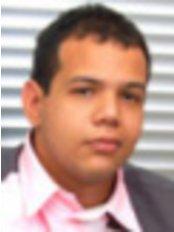 Holos Medicina Integral y Estetica  Dr Henry Rodriguez Galviz - Plastic Surgery Clinic in Colombia