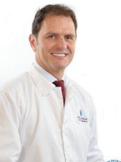Dr. Carlos Recio - Plastic Surgery Clinic in Colombia