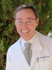 R. Laurence Berkowitz, M.D. - Plastic Surgery Clinic in US