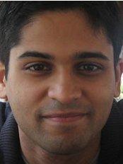Fernandes Orthodontics - Dr Richard Fernandes