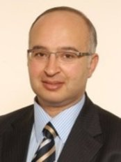 Orthomasters  Mr Amir Salama - Orthopaedic Clinic in the UK
