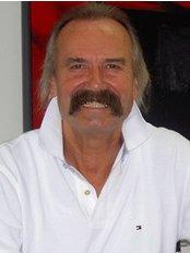 Dr. Merkle Kierferorthopadie - Stuttgart - Dental Clinic in Germany