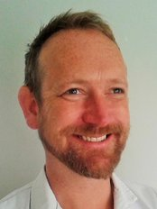 Vauxhall Village Osteopathy - Damian Moore osteopath