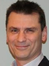 Phil Brackley - Plastic Surgery Clinic in the UK