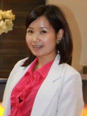 LaDenta Dental Clinic Cambridge - Miss drg. Silvia Loren, Sp.KGA