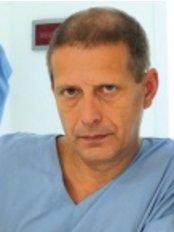Victoria Regia - MD. Martin Dziuban plastic surgeon