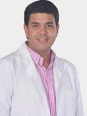 Gustavo Romero Caballero - Plastic Surgery Clinic in Colombia