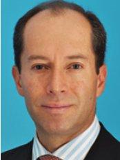 Dr Eduardo Solano Gutierrez - Plastic Surgery Clinic in Colombia