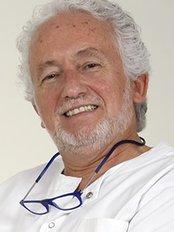 Clínica Ciro - Dental Clinic in Spain