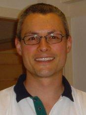 Dr. Frédéric Born - Dental Clinic in Switzerland