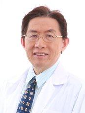 Naravee Aesthetic Clinic - Dr Ronachai Komthong