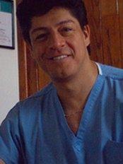 Unidad de Odontologia Estetica e Implantes Dentales - Dental Clinic in Mexico
