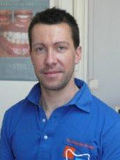 Du Cabinet DAlexandre Kremer - Dental Clinic in France