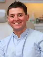 Smile Care Cosmetic Centre - Dr Rafal Topolski