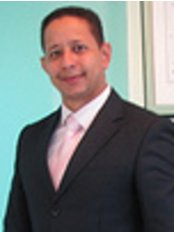 Dr. Carlos Saint-Hilaire - Plastic Surgery Clinic in Dominican Republic