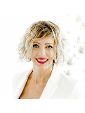 Andrea Ubhi Cosmetic Dentistry - Dental Clinic in the UK