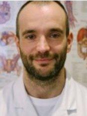 Crossway Clinic - Mr José Fernandez