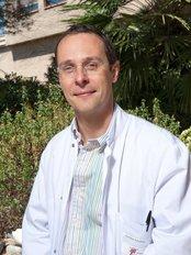 Docteur Lionel Foucras - Plastic Surgery Clinic in France