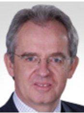 CosmeSurge - Dr. med. Joachim Graf von Finckenstein - Plastic Surgery Clinic in Germany