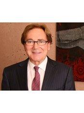 Dr Darryl J Hodgkinson - Plastic Surgery Clinic in Australia