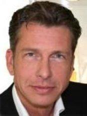 Praxisklinik für Plastische und Ästhetische Chirurgie Dr. Meyer-Walters - Plastic Surgery Clinic in Germany