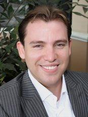 Costa Rica Dental Experts - Dr MauricioMadrigal H.